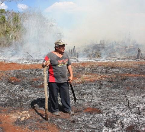 Uno de los campesinos entrevistados, que señaló las diversas técnicas para realizar una quema adecuada de las milpas